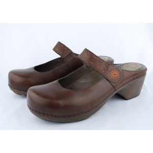 Dansko Women's Brown Leather Mary Jane Clogs Mules
